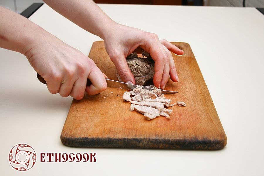 15 cut meat to little slices